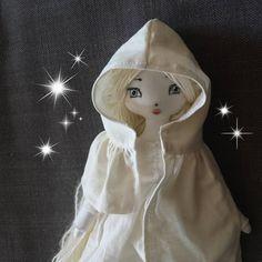 Her listing is active! ( link to shop in bio )❤ . . . #heirloomdoll #embroidery #clothdoll #ghost #elf #ivory #fantasydoll #mori #woodland #forestgirl #dark #fairy #castlevania #syphabelnades #dracula #alucard #nintendo #kojima #retrogaming #netflix #trevorbelmont #dollmakers #artdoll #sprite #princess #littlefairyforest #sorceress #whitehair #nursery #nurserydecor