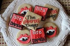 Sweet Emotion: The Vampire Diaries Cookies The Vampire Diaries, 14th Birthday, Birthday Parties, Birthday Ideas, Vampire Theme Party, Bts Cake, Big Cookie, Sweet 16 Parties, Diy Décoration