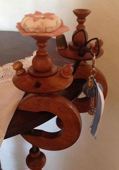 wood sewing clamp, for scissor thimble and pincoushion, italian product handmade, height 27cm