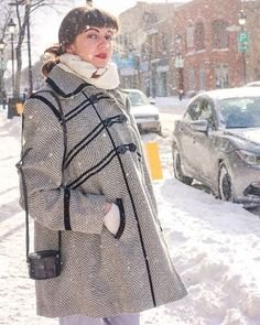 It's hard to be fashionable AND warm when you're on a budget and live in Canada. That's why I thrift shop my coats  I got this one for only 15$ at @sathriftstore  :::: #thriftshop #thriftshopping #coat #coats #winter #canadianwinter #canadianfashion #fashionblogger #canadianfashionblogger #blogger #ootd #ootdmtl #vintage #retro #vintagefashion