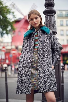 Gracing the pages of Cosmopolitan Mexico's November 2015 issue, model Ira Sumbayeva explores Paris for a fashion editorial lensed by Vladimir Marti. Stylist Debora Traitè selects chic coats and dresses that ooze pure French glam in these street style images. Wearing looks from the likes of Love Moschino, Sandro and Just Cavalli, Ira's fall looks …