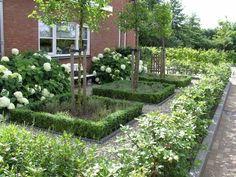 Back Garden Design Dream Backyard Garden, Small Back Gardens, Modern Garden, Beautiful Backyards, Back Garden Design, Garden Layout, Garden Planning, Backyard Ideas For Small Yards, Rock Garden Landscaping