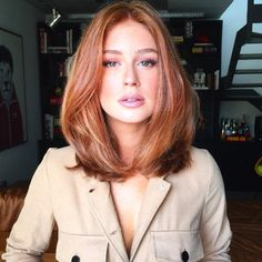Long Bob Hairstyles for Thick Hair 2019 - Hair Styles For Women Over 40 - Frauen Haare Style Very Long Bob, Long Long Bob, Long Blond, Medium Hair Styles, Curly Hair Styles, Natural Red Hair, Corte Y Color, Shoulder Length Hair, Shoulder Cut