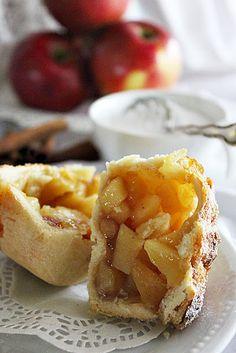 BLOGKONYHA: Alma Minion, Camembert Cheese, Waffles, Dairy, Breakfast, Food, Morning Coffee, Essen, Minions