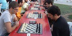 """Estáis todos invitados a participar en la V edición del torneo de Rápidas de Ajedrez de """"La Unió"""" el próximo 8 de Septiembre. En la fotografía, los participantes de la última edición.   Ver información: http://chesslive.com/blog/events/ajedrez-rapido-la-unio/"""