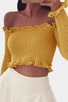 Ideas birthday outfit for school spring crop tops Outfits For Teens, Trendy Outfits, Cool Outfits, Summer Outfits, Fashion Outfits, Womens Fashion, Yellow Outfits, Yellow Long Sleeve Shirt, Long Sleeve Crop Top