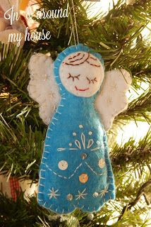 In & around my house : Merry Christmas ! Merry Christmas, Christmas Ornaments, My House, Felt, Holiday Decor, Home Decor, Merry Little Christmas, Felting, Decoration Home