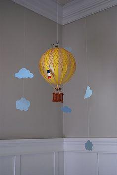 Cloud Baby Mobile + hot air balloon = baby hanegraaf theme pleeeease! ❤