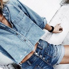 【搭配】还在T恤配短裤吗?许多女生都喜欢的简单又容易上手的酷酷穿搭法让你不在成为路人甲!