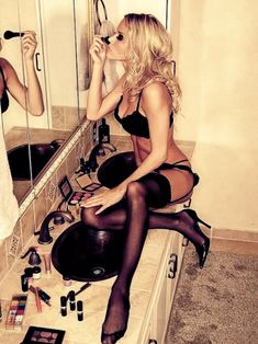 Getting ready in lingerie and stockings ♥