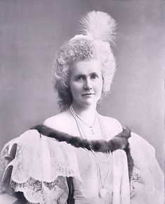 Queen Elisabeth of Romania also known as Carmen Sylva. Image from Wikimedia Commons Probably no other century royal could m. Adele, Romanian Royal Family, Elisabeth I, Black And White Portraits, Artistic Photography, British Royals, Queen Elizabeth, Royalty, King