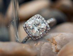 8 main cushion cut diamond ring