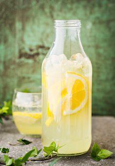 Sitruunalimonadi eli lemonade   K-ruoka How To Make Drinks, Food To Make, Smoothie Drinks, Smoothies, Jerk Recipe, Gewichtsverlust Motivation, Just Eat It, My Cookbook, Winter Food