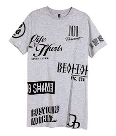Long gray T-shirt with black printed graphic designs. | H&M Divided Guys
