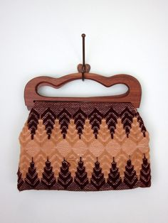 Little vintage knit purse.  I just love this pattern.