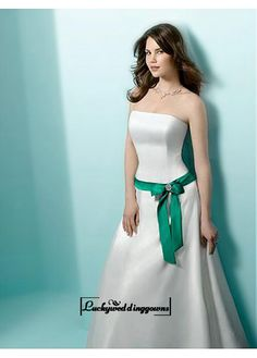An Elegant Satin Strapless A-line Wedding Dress