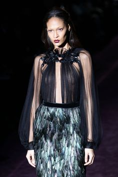 Joan Smalls Photos - Gucci: Runway - Milan Fashion Week Womenswear Autumn/Winter 2012/2013 - Zimbio