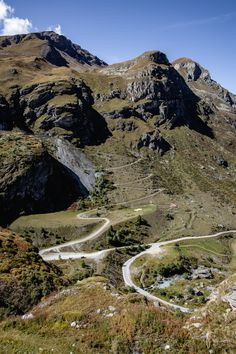 Achtung Zermatt, Mount Rainier, Mountains, Nature, Travel, Road Trip Destinations, Waiting, Naturaleza, Viajes