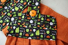 hanging halloween kitchen towels!