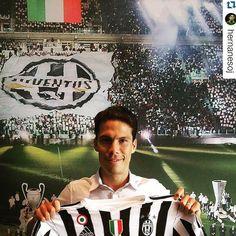 #Hernanes con la maglia della #Juventus