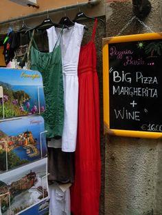 Riomaggiore, Cinque Terre: shop patriotic dress display