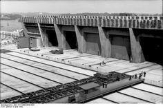 MAI 1942. Frankreich, Lorient.- U-Boot-Bunker im Bau