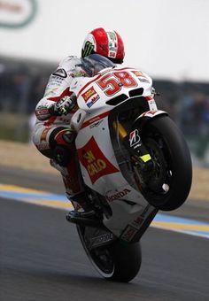 Marco Simoncelli +1 Valentino Rossi, Grand Prix, Motogp Race, Side Car, Motorcycle Racers, Yamaha Motorcycles, Super Bikes, Street Bikes, Road Racing