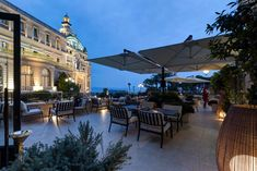 RT @MonteCarloSBM: #BestSummerEver Step 4: What could be better than being centre stage at the Bar Américain?  http://bit.ly/2JtXb55 http://bit.ly/2NXGphZ #MonteCarlo
