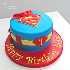 Superman - Childrens Cakes | Patisserie Tillemont | Montreal