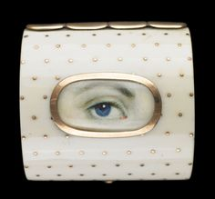 Ivory ring casket. Collection of Dr. and Mrs. David Skier. #lookoflove #eyeminiatures #loverseye