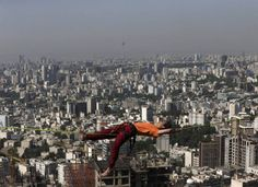 Slacklining gets more popular in Iran