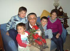 """P.Williams 2008. """" la noche anterior al regreso a Concepción, con los nietos y Oscar y el viejo pascuero regalo para navidad"""""""