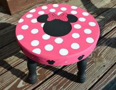i could probably hand print Chayton a Mickey one Minnie Mouse Room Decor, Mickey Minnie Mouse, Minnie Toys, Painted Stools, Wooden Stools, Disney Furniture, Kids Furniture, Disney Diy, Disney Crafts