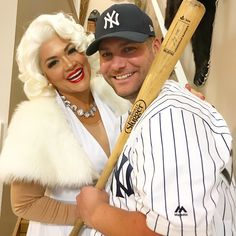 Set major this Halloween with the best DIY Couples Halloween Costumes. Try these Easy DIY Halloween Costumes for Couples with your partner. Celebrity Couple Costumes, Cute Couples Costumes, Funny Couple Halloween Costumes, Costumes For Women, Halloween Couples, Halloween Night, Halloween Party, Halloween 2019, Woman Costumes