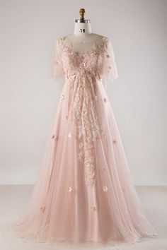 The most gorgeous wedding dress for plus size bride, from dramatic ball gowns, casual short dresses to sexy mermaid gowns. Look at the ideas below to find the plus size wedding dress of your dream! Blush Pink Wedding Dress, Pink Prom Dresses, Wedding Dresses Plus Size, Dress Prom, Maxi Dresses, Pale Pink Weddings, Wedding Lace, Ivory Dresses, Bridal Lace