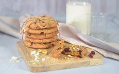 Cookies med pistasjnøtter, tranbær og hvit sjokolade