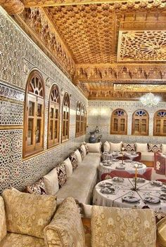 If you're looking to bring an exotic yet elegant feel to your home, you should consider the elegantly mysterious elements found in Moroccan style décor. Moroccan Decor Living Room, Moroccan Kitchen, Morrocan Decor, Moroccan Room, Moroccan Interiors, Moroccan Colors, Moroccan Design, Moroccan Style, Art Marocain