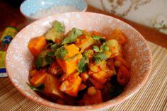 stoofschotel met zoete aardappel, koolrabi en kikkererwten