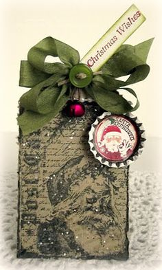 vintage look. bottle cap. stamped. Santa