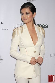 Loving this Versace look (Spring 2015 collection) that Selena Gomez wore at 2014 Unlikely Heroes Awards Dinner and Gala.