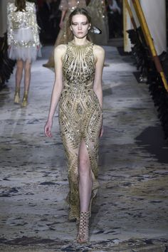 Zuhair Murad Spring 2018 Couture: Golden dress! I like the side cutouts