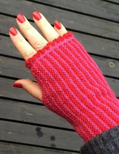 Våryra muddar en hand Fingerless Gloves, Arm Warmers, Loom, Knitting Machine, Threading, Fingerless Mitts, Cuffs, Fingerless Mittens, Wicker