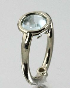 Aquamarine and diamond in 18 kt  white gold