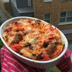 Try this super easy sausage and mozzarella pasta bake Bodycoach Recipes, Joe Wicks Recipes, Cooking Recipes, Recipies, Healthy Eating Recipes, Vegetarian Recipes, Healthy Dinners, Sausage Pasta Bake, Mozzarella Pasta