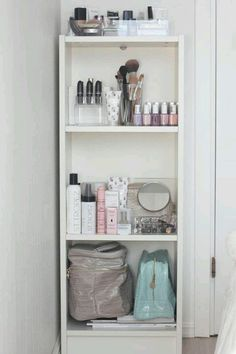 How to organize your make up