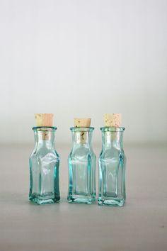 Set of 3 Mini Glass Square Vials with Cork - 3 ML - Beach Blue