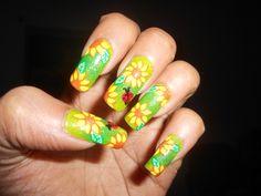 Sunflower summer nail art