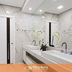 """Villa Bela Revestimentos no Instagram: """"Neste banheiro, o brilho do porcelanato Duomo Marmo @ceramicaportinari dá mais vida ao ambiente, além de deixá-lo mais luxuoso, entregando…"""""""