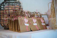 Cadeaux invités mariage    Visitez http://lesjolieschosesdelavie.wordpress.com et http://www.alittlemarket.com/boutique/les_jolies_choses_de_la_vie-824361.html Photos Julie Verdier Photographe