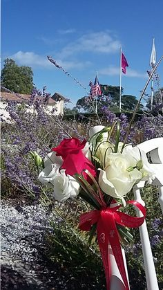 Mariage au château Pape Clément - fleuriste-bordeaux 4th Of July Wreath, Bordeaux, Christmas Tree, Wreaths, Holiday Decor, Projects, Teal Christmas Tree, Log Projects, Blue Prints